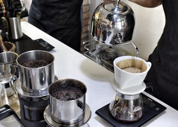 Vietnamese traditional Ca Phe Phin style vs modern pourover